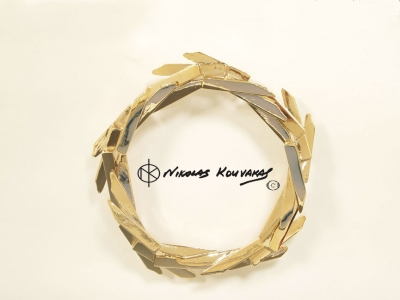 Dual movement wreath gold plated. _13